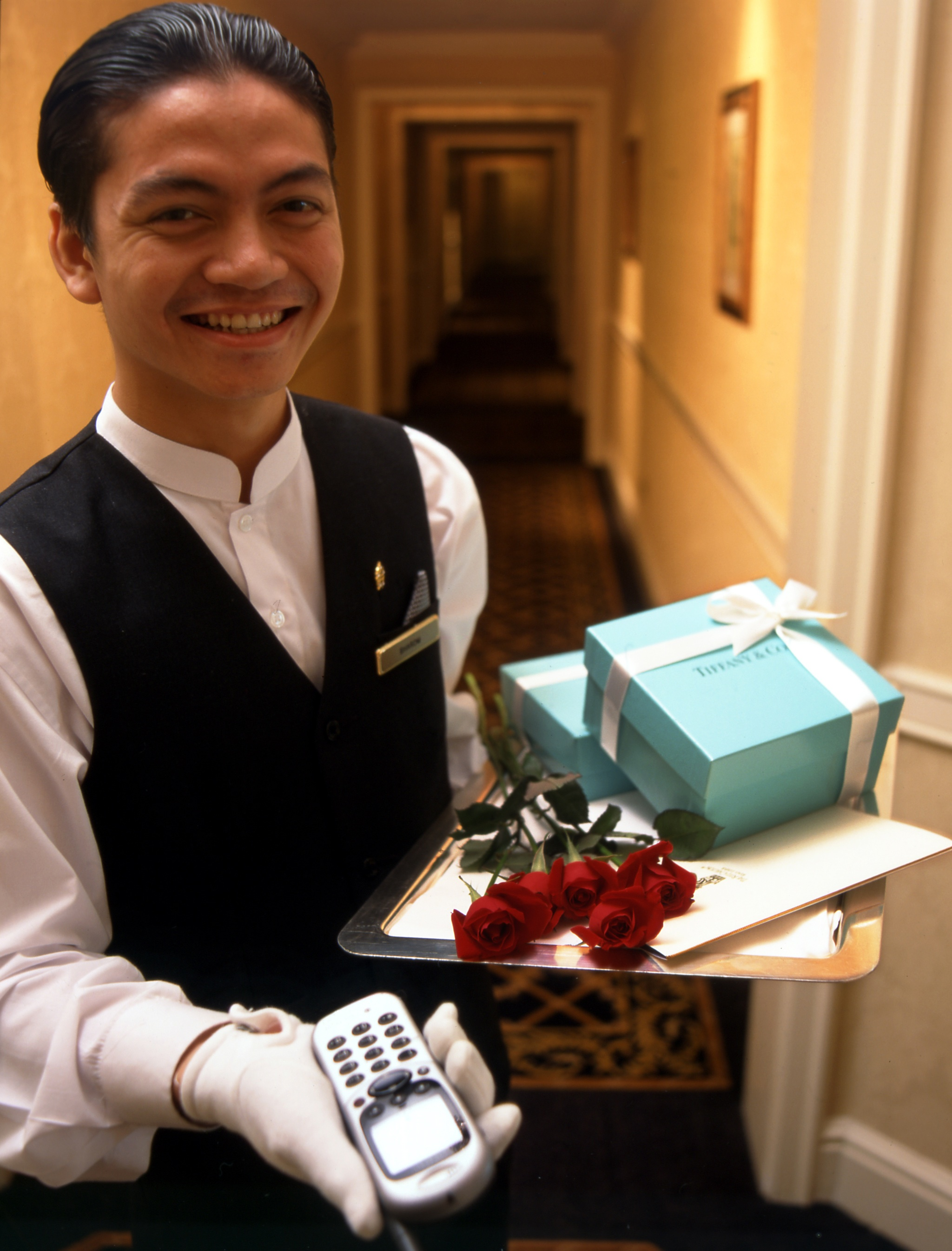 the service culture at ritz carlton I can tell you from personal experience ritz-carlton delivers an extraordinary level of customer service, consistently  these are true stories of employee heroics that go above and.